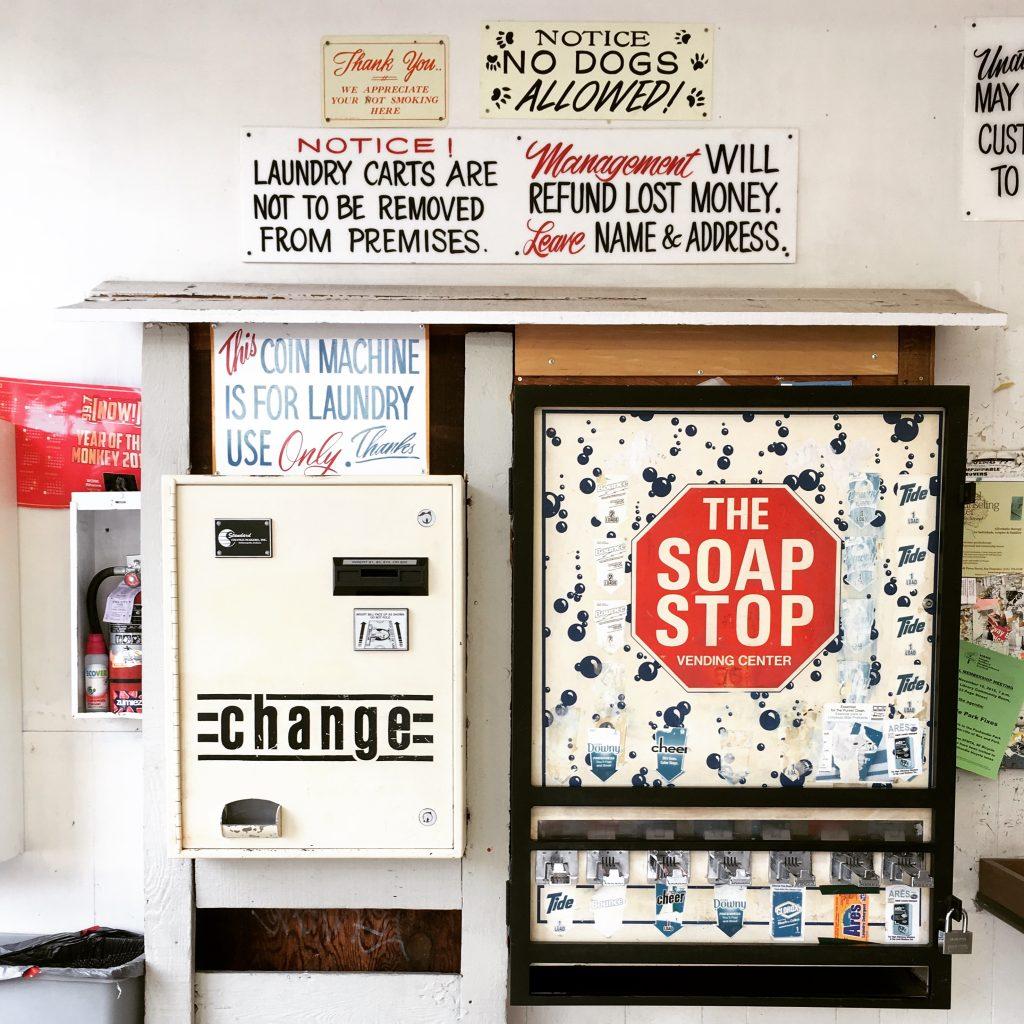 maitriser l 39 art de laver son linge la laverie automatique paris san francisco. Black Bedroom Furniture Sets. Home Design Ideas